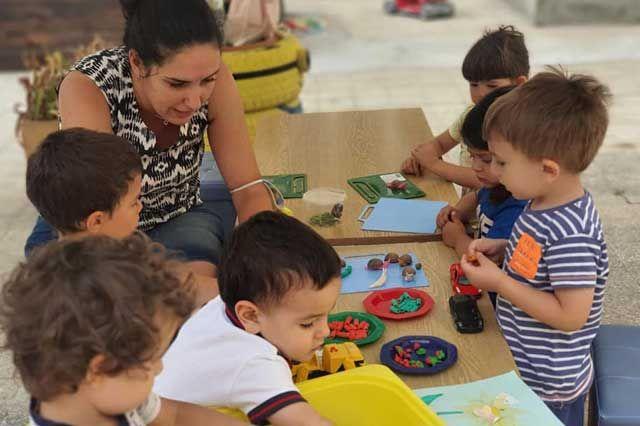 Децата от Детска градина Монтесори Планета България са Малки изследователи