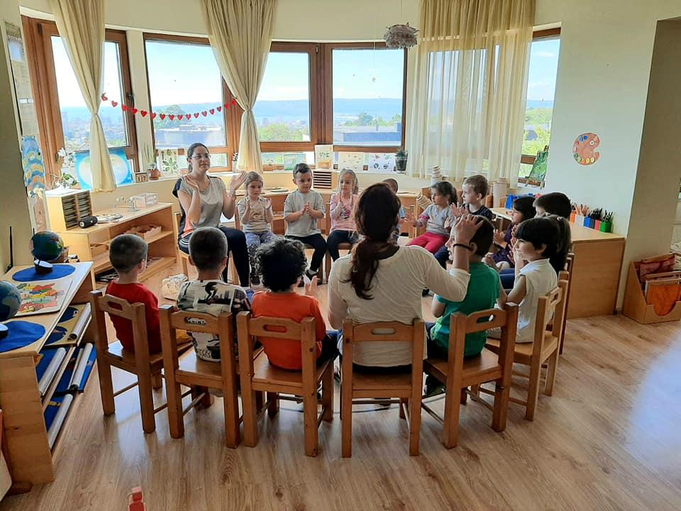 Учители, специалисти и директори от Детска градина Монтесори Планета България- Плевен и ЧДГ Монтесори Варна обменят опит, идеи, добри практики, професионализъм и позитивизъм!